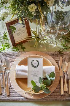 Wedding Mint Green, Gold Wedding, Wedding Table, Wedding Ceremony, Wedding Flowers, Wedding Designs, Wedding Styles, Wedding Decorations, Table Decorations