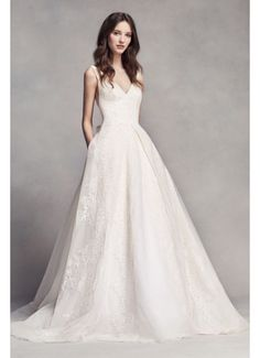 White by Vera Wang V-Neck Wedding Dress with Bow 4XLVW351318