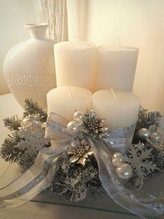 Christmas candle lights have been popular Christmas decorations for many years. Christmas Candle Decorations, Christmas Arrangements, Christmas Candles, Gold Christmas, Christmas Holidays, Christmas Wreaths, Christmas Crafts, Advent Candles, Christmas Villages