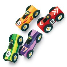 Car craft from toilet paper rolls! Crafts For Boys, Projects For Kids, Diy For Kids, Craft Projects, Craft Ideas, School Age Crafts, Truck Crafts, Paper Towel Tubes, Paper Towels