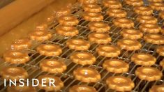 How Girl Scout Cookies Are Made Two different bakeries supply the Girls Scouts of the USA with cookies. They make the exact same type of cookie, but they're… Girl Scout Cookies Recipes, Cookie Recipes, Great Recipes, Favorite Recipes, Bakery Supplies, Thin Mints, Yummy Cookies, Caramel Apples, Girl Scouts