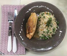 Κοτόπουλο λεμονάτο κατσαρόλας με ρύζι | Συνταγή | Argiro.gr - Argiro Barbarigou Cooking Recipes, Meals, Drink, Chicken, Food, Beverage, Meal, Chef Recipes, Essen