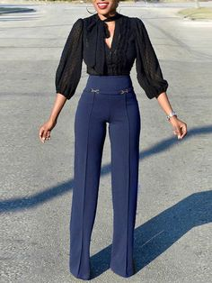 This list contains the best women office wear pants for Check out the varied types, be it high waisted, wide leg, skinny or casual. You can rock them with heels, flat shoes or even boots. Casual Work Outfits, Work Attire, Office Outfits, Classy Outfits, Chic Outfits, Office Wear, Professional Outfits, Loose Pants Outfit, Slacks Outfit
