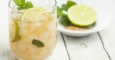 Moscow Mule recipe, courtesy of Her Daily Bagels, Sauce Au Curry, Moscow Mule Recipe, Mojito Recipe, Fresh Mint Leaves, Vodka Cocktails, Lime Wedge, Irish Whiskey, Ginger Ale
