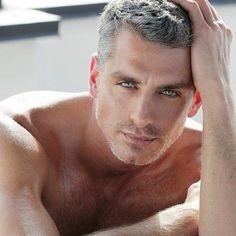 Model - 9 x de mooiste mannen met grijs haar - Nieuws - Lifestyle