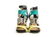 Steve Madden sandali con tacco pitonati immagini