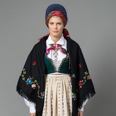 Traditional Norwegian folk costumes - Page 5 Folk Clothing, Historical Clothing, Folk Costume, Costumes, Going Out Of Business, Bridal Crown, People Dress, Headgear, Traditional Dresses