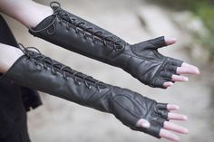 Razorpine Lacedown Stulpen – Verillas Industrie Related posts: No related posts. Mode Steampunk, Cool Outfits, Fashion Outfits, Character Outfits, Larp, Character Inspiration, Ideias Fashion, My Style, How To Wear