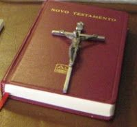 Spe Deus: Em sintonia com o Santo Padre na homilia de hoje, ter e ler a Bíblia é tão importante como o pão para a boca
