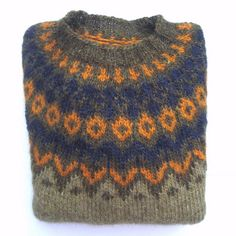 Ravelry is a community site, an organizational tool, and a yarn & pattern database for knitters and crocheters. Hand Knitted Sweaters, Wool Sweaters, Knitted Fabric, Knitted Hats, Knit Crochet, Knitting Stitches, Knitting Patterns Free, Hand Knitting, Fair Isle Knitting