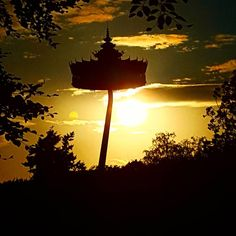A beautiful view of the Pagode (Pagoda) Look At The Sky, Cool Themes, Roller Coaster, Free Time, Holland, Origami, Beautiful Places, Posters, Passion