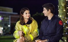 Brandon Routh and Kimberly Sustad in The Nine Lives of Christmas (2014)