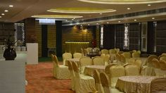 Organizing intimate events at a banquet hall