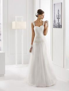 Simple Shoulder Straps Lace A-line Tulle Wedding Dress