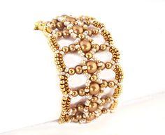 Tutorial Let It Shine Bracelet Beading Pattern by Ellad2 on Etsy. Pearls 3mm, 4mm, 6mm, Miyuki seed beads 11/0 and 15/0.