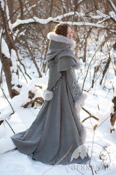 средневековое пальто