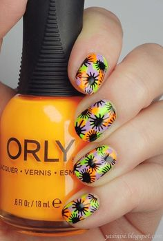 Nailpolis Museum of Nail Art | In love with neons by Yasinisi