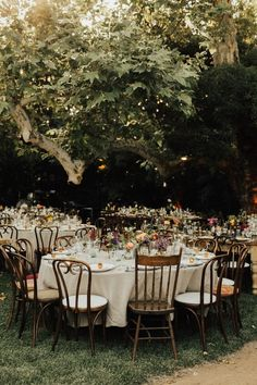 This French-American wedding in Pasadena, CA is the ultimate backyard wedding. Heirlume Photography was there to capture all the joy and details of the day. Home Wedding, Wedding Tips, Trendy Wedding, Perfect Wedding, Wedding Day, Dream Wedding, Back Garden Wedding, Wedding Posing, 1920s Wedding