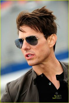 Actors tom cruise haircut, tom cruise now, tom cruise hairstyl. Tom Cruise Meme, Tom Cruise Hot, Tom Cruise Young, Logan Lerman, Nicole Kidman, Katie Holmes, Hollywood Actor, Hollywood Stars, Amanda Seyfried