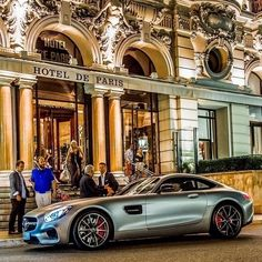 The Mercedes-AMG GT arrives at Hôtel de Paris Monte-Carlo ready for an exclusive showing at the #MonacoYachtShow.  #Mercedes #Benz #AMGGT #AMG #instacar #carsofinstagram #germancars #luxury cc: @MercedesAMG