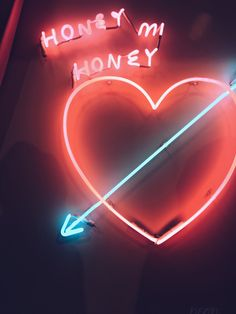 Collectibles Budweiser Honey Wing Angel Home Room Lamp Sofa Led Bike Love White Neon Light Sign