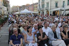 6 settembre, Festival della politica 2013 | ore 19.00 Piazza Ferretto, il pubblico di Lucio Caracciolo, Angelo Panebianco, Renzo Guolo (5)