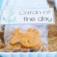 Catch of the Day - Goldfish Crackers. I could see this not just for baby showers but also wedding showers. From HWTM (Hostess with the Mostess)