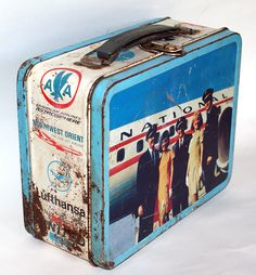 Vintage Thermos Airlines Lunchbox - Eastern, United, Pan Am Flight72.net Lunch Box Thermos, Tin Lunch Boxes, Vintage Lunch Boxes, Metal Lunch Box, Lunch Time, School Days, Fun Food, Childhood Memories, Planes