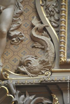Château De CHANTILLY | The Castle of Chantilly in France | Picture from Ornamental woodcarver Blog Patrick Damiaens Website ; http://www.patrickdamiaens.be