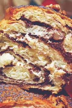 Diamond Cuisine!: Cozonac - o bunatate! Breakfast Snacks, Breakfast Recipes, Romanian Food, Yummy Food, Tasty, Strudel, Sweet Life, Lasagna, Caramel