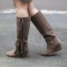 Que pensez-vous des bottes à #franges de Poussine ? (20€ chez BABOU)