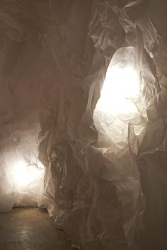 abenoma gallery in osaka features walls of crumpled tracing paper Paper Light, Light Art, Paper Installation, Paper Architecture, Crumpled Paper, Osaka Japan, Design Research, Stage Design, Light And Shadow