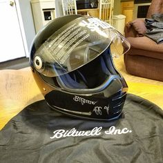 Biltwell Lanesplitter Motorcycle Helmet Custom Motorcycle Helmets, Sportster 1200, Helmet Design, Bike Stuff, Style Me