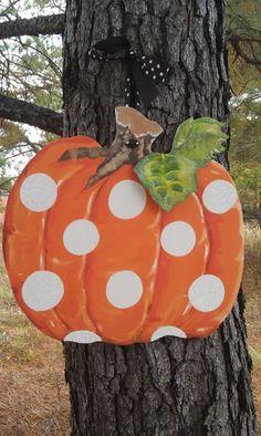 Pumpkin decor! So cute!