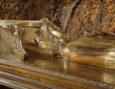 Courtesy of Kathryn Warner, Westminster Abbey: Effigy of Edward II's mother Eleanor of Castile (c. late 1241 - 28 November queen of England, lady of Ireland, duchess of Aquitaine, and countess of Ponthieu in her own right. Women In History, British History, Family History, Famous Historical Figures, Historical Pictures, Richard Iii Society, Eleanor Of Aquitaine, Plantagenet, Royal Families