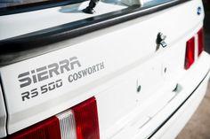 Начавшееся в 1985 г. сотрудничество Ford с производителем гоночных двигателей Cosworth вылилось в создание гоночных версий автомобилей, обозначенных «RS». В 1987 г. пришел первый