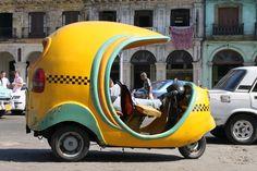 Taxi cubano. Voy a viajar en taxi por la mayoría de mi viaje en Cuba. Si yo no estoy de viaje en taxi, voy a viajar a pie o en bicicleta.