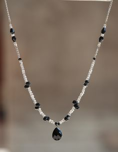 Crystal Necklace, Beaded Necklace, Semi Precious Gemstones, Diy Jewelry, Glass Beads, Pearls, Facebook, Black And White, Crystals