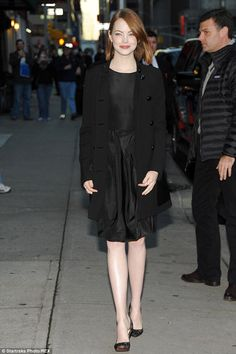 Woman of the hour: Emma Stone made a special appearance on the Late Show with David Letterman in New York on Monday Old Actress, American Actress, Emma Stone Blonde, Emma Stone Style, Work Wear, Hollywood, Actresses, Derp, Woman