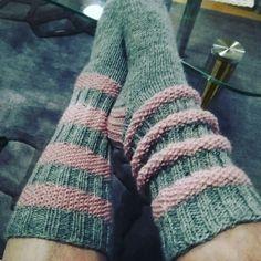 Knitting Socks, Leg Warmers, Lana, Slippers, Crafty, Fabric, Handmade, Fashion, Stockings