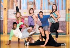 Chloe, James, Eldon, Riley, Michelle and West are striking poses! Step By Step Song, Step Tv, Disney Channel, Le Studio Next Step, Family Channel, Dance Academy, The Next Step, Vampire Diaries The Originals, Dance Studio