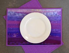 Lavender quilted placemat. Purple mats for the table. Wedding gift. Quilted home decor.  Table topper. Washable placemats. Modern quilt.