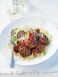 Κεφτεδάκια σαν της γιαγιάς… - www.olivemagazine.gr Spaghetti, Beef, Ethnic Recipes, Food, Meat, Eten, Ox, Ground Beef, Meals