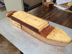 How to Make a Titanic Birthday Cake - Hotly Spiced Titanic Cake, Cake Decorating Techniques, Cake Decorating Tips, Peanut Cake, 9th Birthday Cake, Boat Cake, Cake Recipes, Snack Recipes, Tutorials