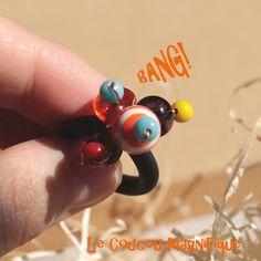 Varie - Anello nero in caucciù con perle in vetro colorate - un prodotto unico…