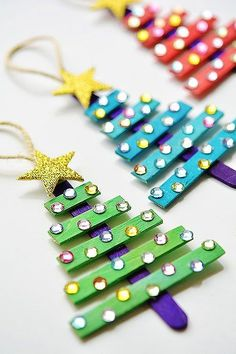 Easy DIY Glitter Popsicle Tree Ornament. Simple yet beautiful dollar store craft gift idea kids can make,