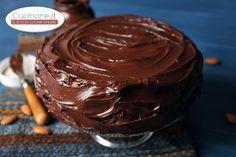 La torta gianduja è una vera delizia sia per il palato che per la vista. È un dolce squisito, una vera prelibatezza sia per i grandi ma soprattutto per i piccini che potranno gustarla come golosa e sostanziosa merenda. Il mix di ingredienti utilizzati è un'armoniosa sinfonia di aromi, sapori e fragranze che si fondono alla perfezione fra di loro. La si serve come appagante e sfizioso dessert di fine pasto. La sua preparazione è un pò lunga, ma il risultato ripagherà assolutamente della…