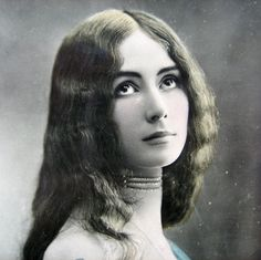 Cleo de Merode 1903  A popular French dancer of her time