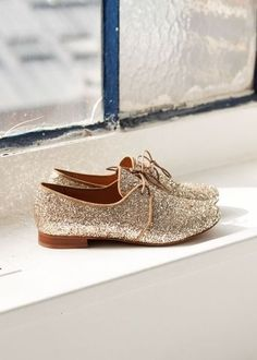 Too much glitter is never enough! Bary Derbies by Sezane