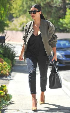 Kim Kardashian made a major sunwear statement in chunky angular square sunnies with a flat-top browline! OBSESSED!